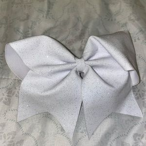 White shimmery bow